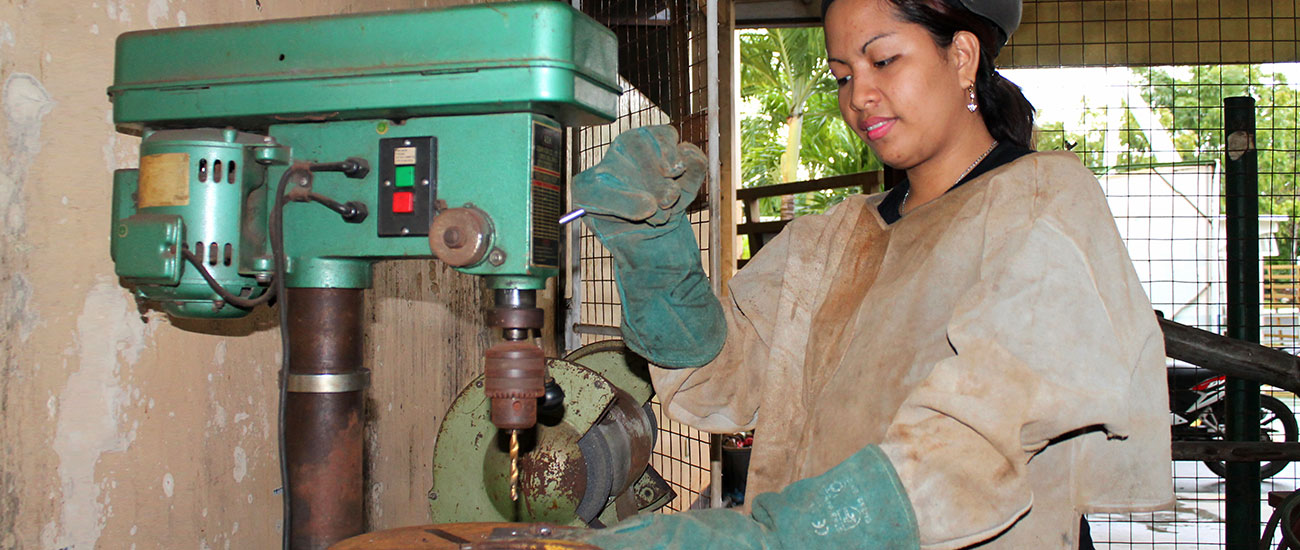 Into Employment taught Mary Rose Bertiz technical and communication skills that helped her get a job at a welding company in the Philippines. But, the best IE lesson of all was about gender equality in the workplace.