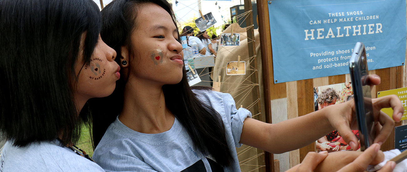 Fast facts about the philippines children international global despite some of the slowest internet speeds on the planet 25 mbps the philippines has held two titles texting capital late 1990s and early 2000s and thecheapjerseys Image collections