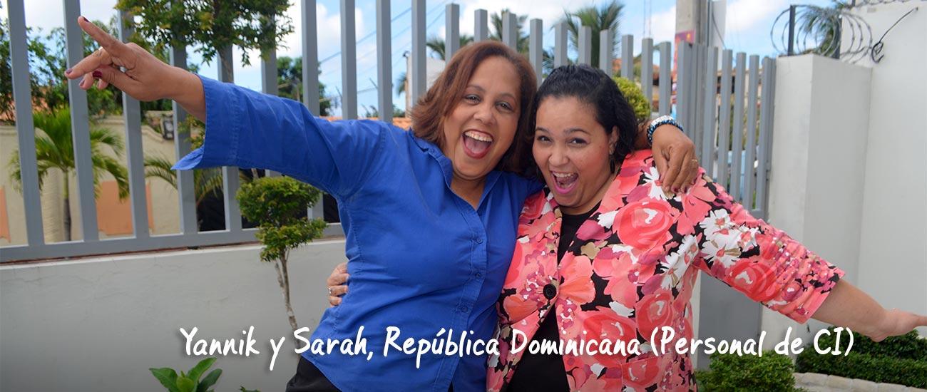 Empleados de CI en la República Dominicana hacen payasadas