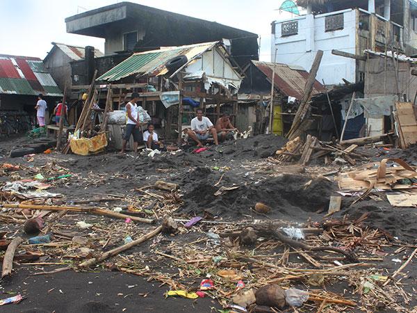 Haiyan fue un súper tifón con vientos de por lo menos 240 kph.