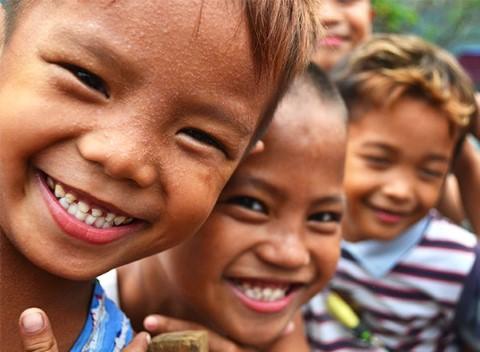 Rostros sonrientes en Bícol, Filipinas