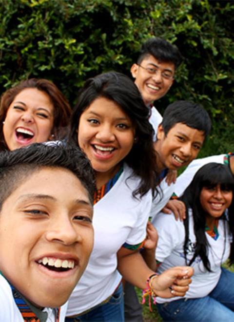 Jóvenes en Guatemala se toman una foto