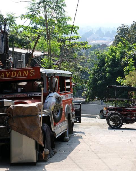 Jeepney descompuesto en Quezon City