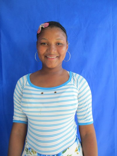 Help Yaneiris by becoming a child sponsor. Sponsoring a child is a rewarding and heartwarming experience.