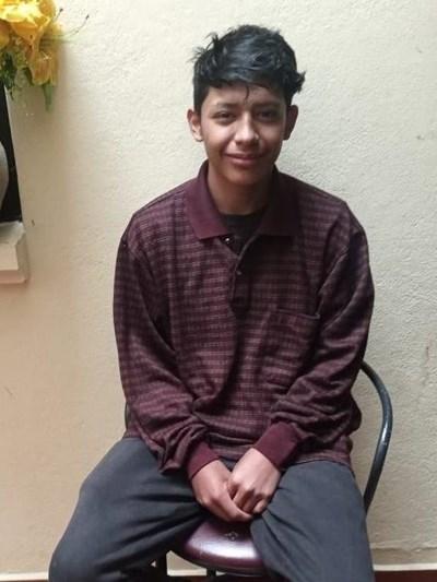 Ayude a Erick Mateo apadrinándole hoy. El apadrinamiento es una experiencia hermosa y gratificante.