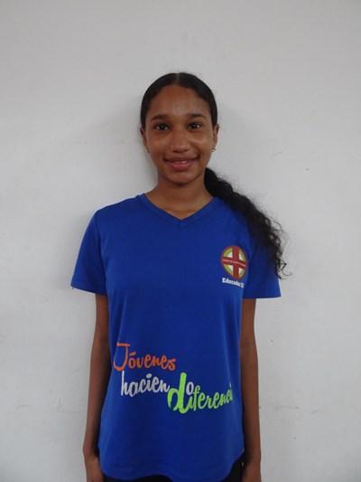 Ayude a Natalia Karina apadrinándole hoy. El apadrinamiento es una experiencia hermosa y gratificante.