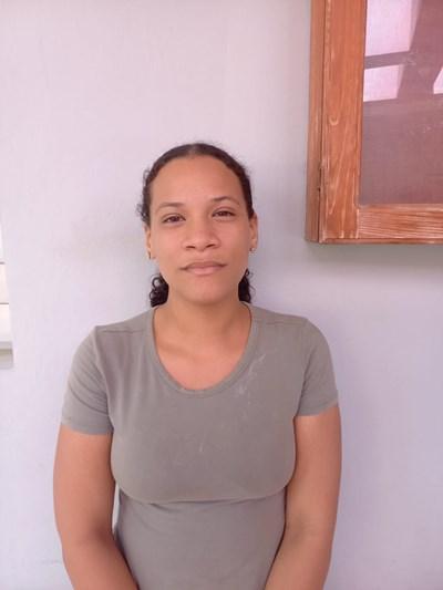 Ayude a Eylin Michelle apadrinándole hoy. El apadrinamiento es una experiencia hermosa y gratificante.
