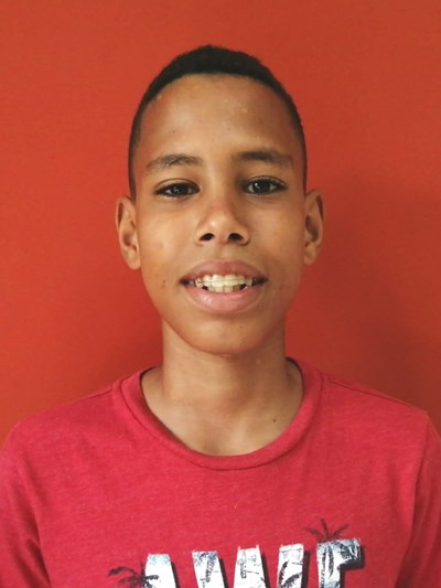 Help Rowell Jesús by becoming a child sponsor. Sponsoring a child is a rewarding and heartwarming experience.