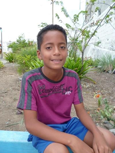 Ayude a Jorge Anthony apadrinándole hoy. El apadrinamiento es una experiencia hermosa y gratificante.