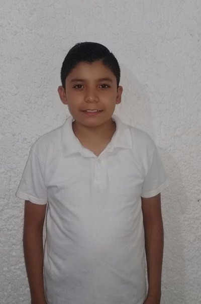 Help Yahir by becoming a child sponsor. Sponsoring a child is a rewarding and heartwarming experience.