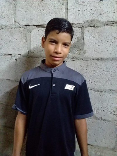 Help Jhonny Gabriel by becoming a child sponsor. Sponsoring a child is a rewarding and heartwarming experience.