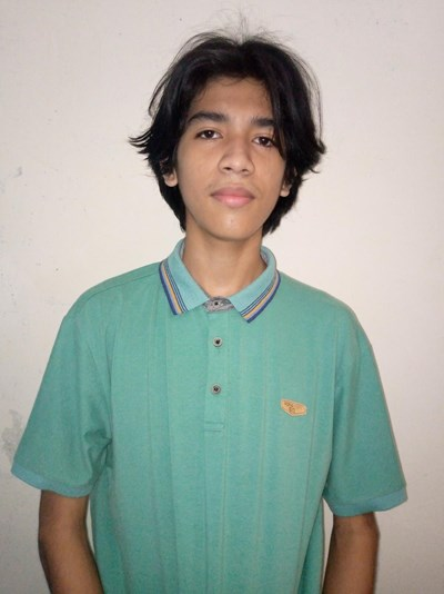 Help Derly Josue by becoming a child sponsor. Sponsoring a child is a rewarding and heartwarming experience.