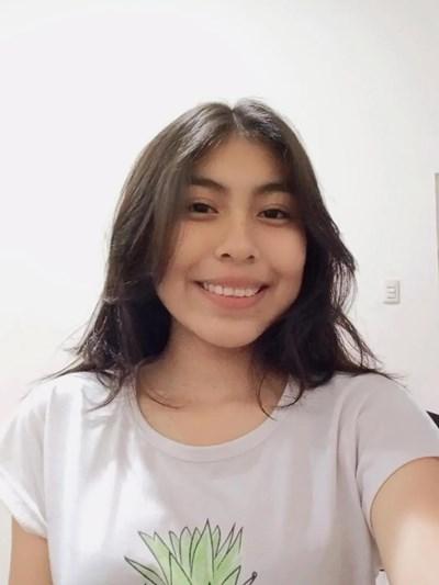 Ayude a Adriana Micaela apadrinándole hoy. El apadrinamiento es una experiencia hermosa y gratificante.