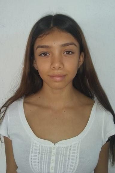 Ayude a Camila Isabel apadrinándole hoy. El apadrinamiento es una experiencia hermosa y gratificante.