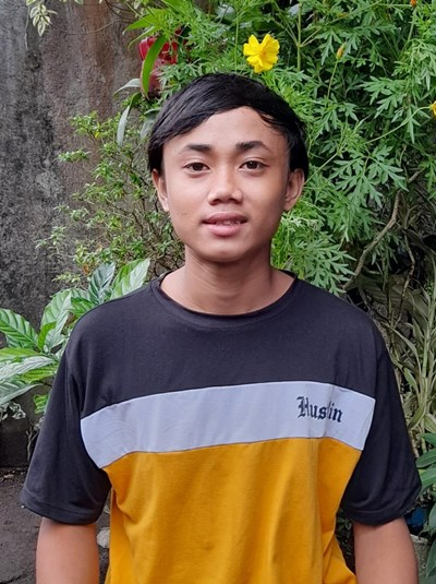 Help Carlo Jaye M. by becoming a child sponsor. Sponsoring a child is a rewarding and heartwarming experience.