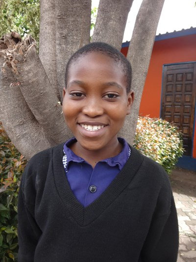 Help Mwila by becoming a child sponsor. Sponsoring a child is a rewarding and heartwarming experience.