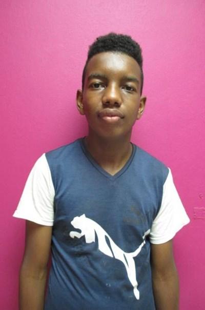 Ayude a Edison Augusto apadrinándole hoy. El apadrinamiento es una experiencia hermosa y gratificante.