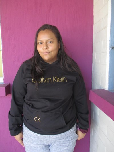 Ayude a Yahaira Lizbeth apadrinándole hoy. El apadrinamiento es una experiencia hermosa y gratificante.