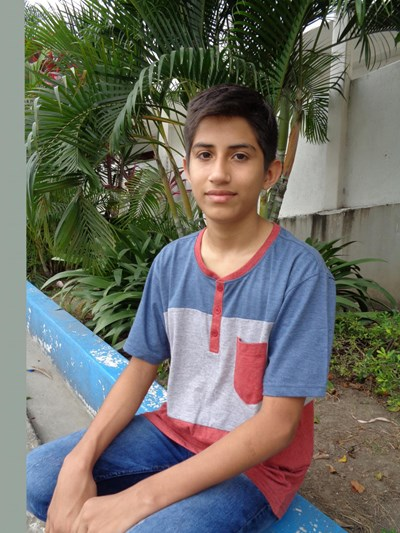 Help Jens Ariel by becoming a child sponsor. Sponsoring a child is a rewarding and heartwarming experience.