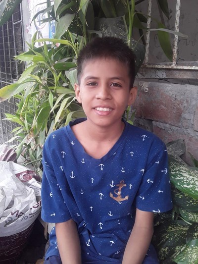 Help Franklin Amador by becoming a child sponsor. Sponsoring a child is a rewarding and heartwarming experience.