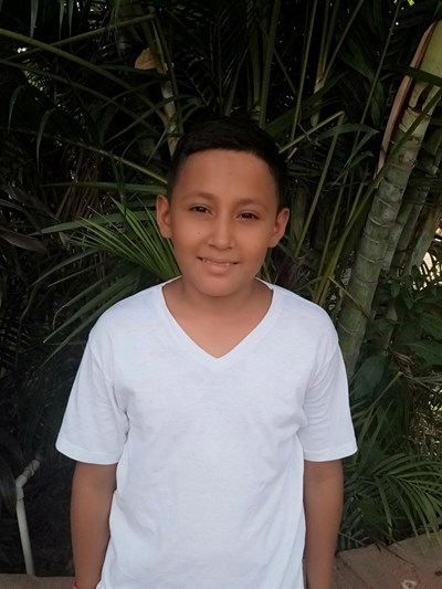 Help Jorge Jafeth by becoming a child sponsor. Sponsoring a child is a rewarding and heartwarming experience.