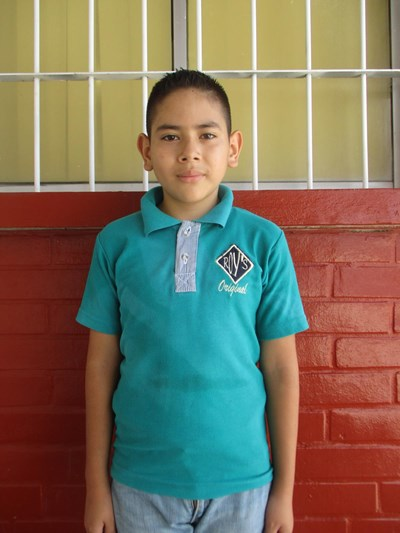 Help Alan Emmanuel by becoming a child sponsor. Sponsoring a child is a rewarding and heartwarming experience.