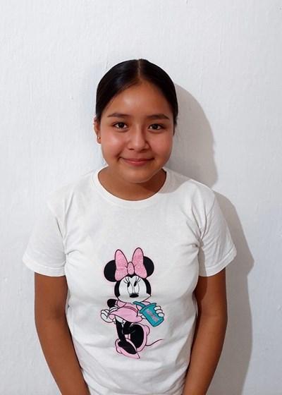 Ayude a Brissia Guadalupe apadrinándole hoy. El apadrinamiento es una experiencia hermosa y gratificante.