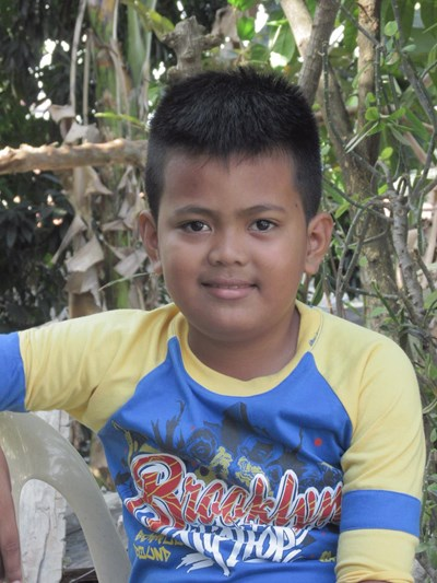 Help Rayle G. by becoming a child sponsor. Sponsoring a child is a rewarding and heartwarming experience.