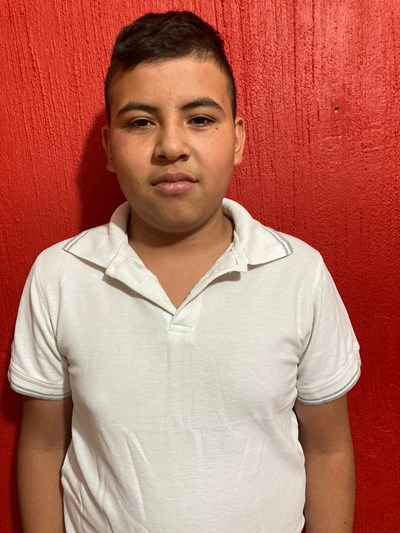 Help Hernán by becoming a child sponsor. Sponsoring a child is a rewarding and heartwarming experience.