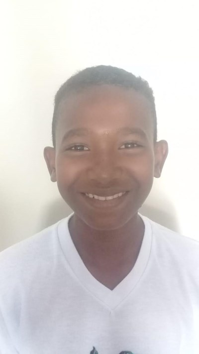 Help Kenis Alexander by becoming a child sponsor. Sponsoring a child is a rewarding and heartwarming experience.