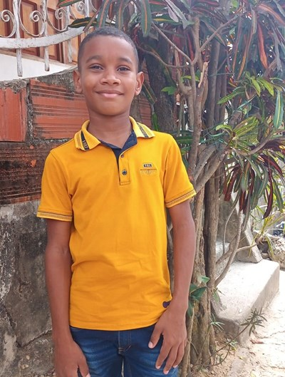 Help Damian Andres by becoming a child sponsor. Sponsoring a child is a rewarding and heartwarming experience.