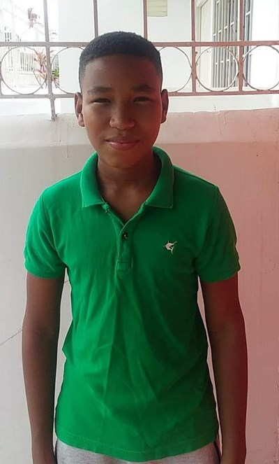 Help Jhoaniris by becoming a child sponsor. Sponsoring a child is a rewarding and heartwarming experience.