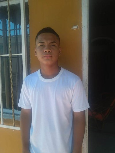 Help Cesar Junior by becoming a child sponsor. Sponsoring a child is a rewarding and heartwarming experience.
