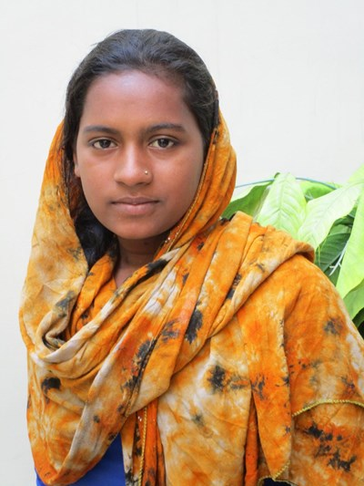 Help Zeenat by becoming a child sponsor. Sponsoring a child is a rewarding and heartwarming experience.