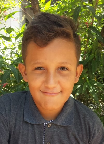 Help Fernando Saul by becoming a child sponsor. Sponsoring a child is a rewarding and heartwarming experience.