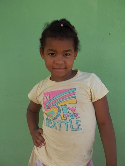 Help Iris Carolina by becoming a child sponsor. Sponsoring a child is a rewarding and heartwarming experience.