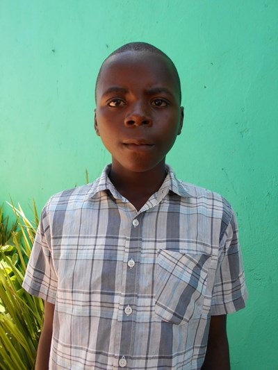 Help Bitus by becoming a child sponsor. Sponsoring a child is a rewarding and heartwarming experience.