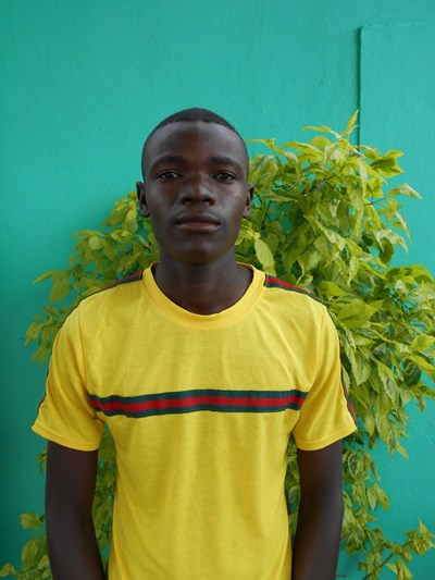 Help Thomas by becoming a child sponsor. Sponsoring a child is a rewarding and heartwarming experience.