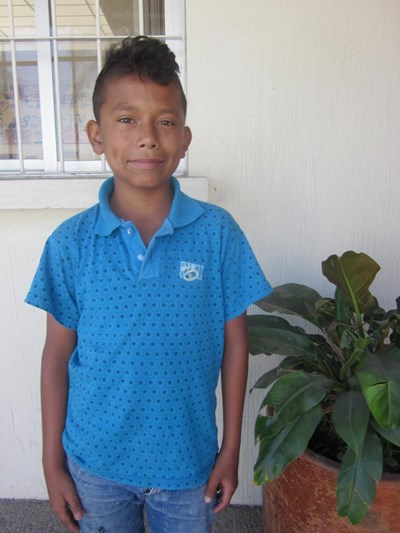 Help Gustavo by becoming a child sponsor. Sponsoring a child is a rewarding and heartwarming experience.
