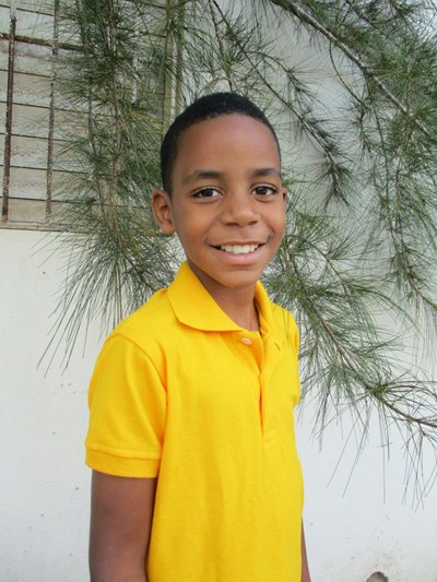 Help Roberlin Orlando by becoming a child sponsor. Sponsoring a child is a rewarding and heartwarming experience.
