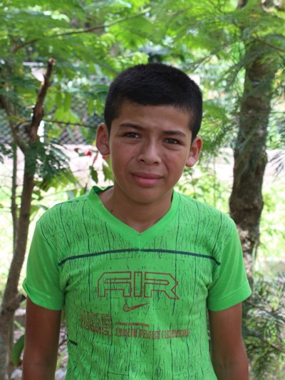 Ayude a Elvin Daniel apadrinándole hoy. El apadrinamiento es una experiencia hermosa y gratificante.
