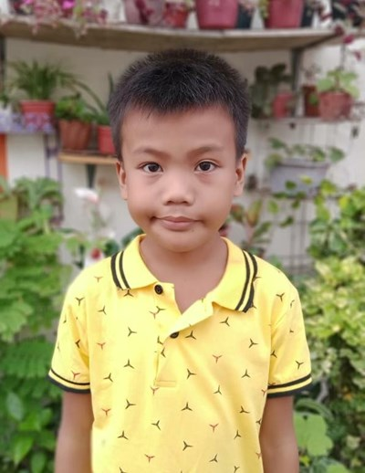 Help Marvin M. by becoming a child sponsor. Sponsoring a child is a rewarding and heartwarming experience.
