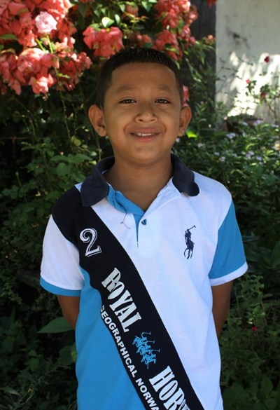 Help Huber Efrain by becoming a child sponsor. Sponsoring a child is a rewarding and heartwarming experience.