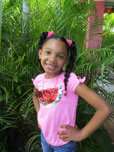 Help Yosmeyli Nicole by becoming a child sponsor. Sponsoring a child is a rewarding and heartwarming experience.