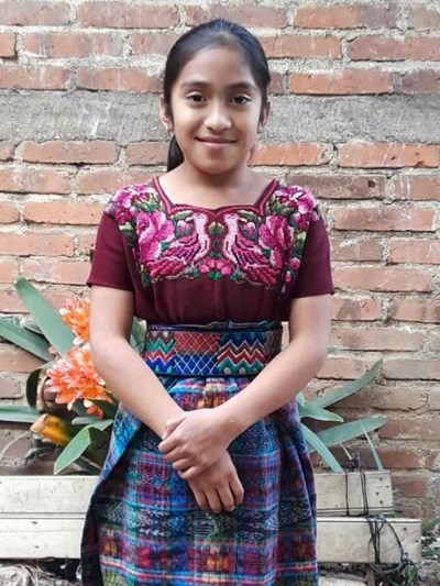 Help Karen Azucena by becoming a child sponsor. Sponsoring a child is a rewarding and heartwarming experience.