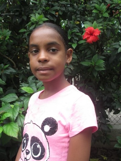 Help Esmailyn Esther by becoming a child sponsor. Sponsoring a child is a rewarding and heartwarming experience.