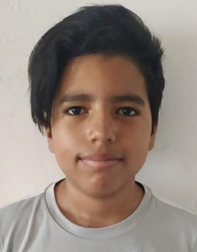 Help Axel David by becoming a child sponsor. Sponsoring a child is a rewarding and heartwarming experience.