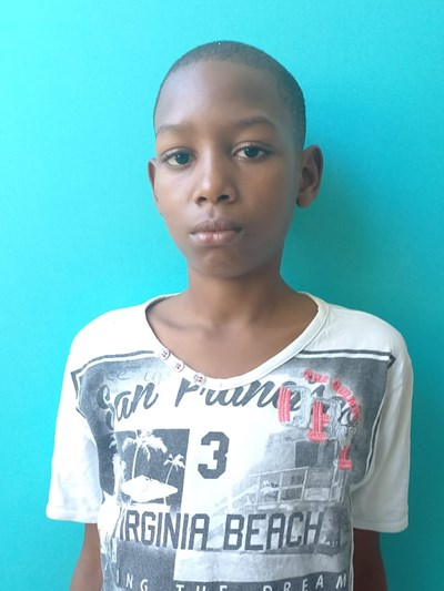Help Carlos Yandel by becoming a child sponsor. Sponsoring a child is a rewarding and heartwarming experience.