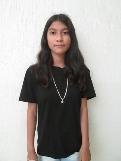 Ayude a Camila Jatziry apadrinándole hoy. El apadrinamiento es una experiencia hermosa y gratificante.