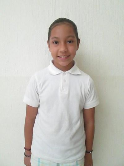 Ayude a Luciana apadrinándole hoy. El apadrinamiento es una experiencia hermosa y gratificante.